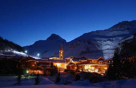 Val D'Isere at night